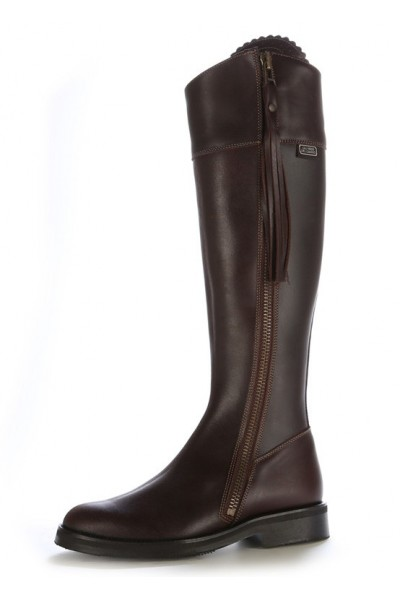 Elegant brown spanish horse riding boots Brown horse riding boots ...
