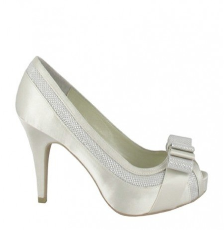 Elegant white smart heels with knot