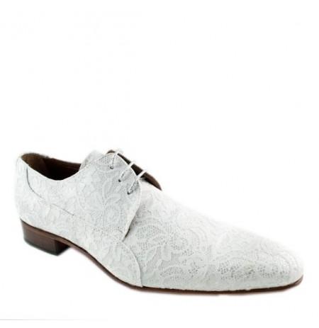 Smart white lace shoes for men