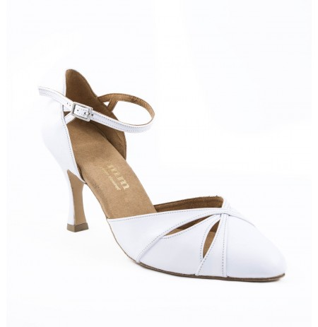Comfy white leather pump heels