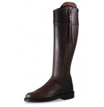 Made to measure elegant brown leather riding boots