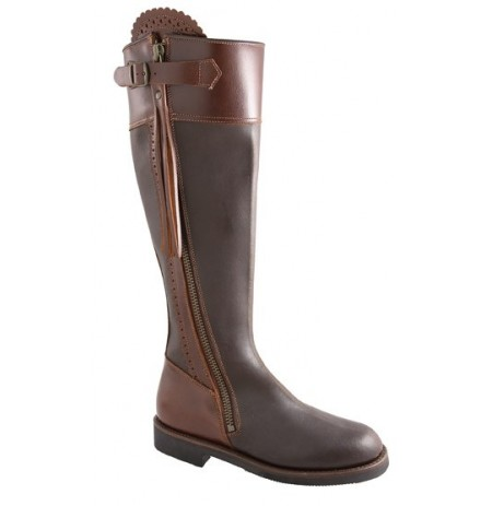 Brown leather hunting boots with fringes