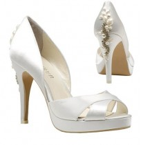 Satin bride shoes with beaded heel
