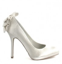 Elegant ivory satin bride shoes