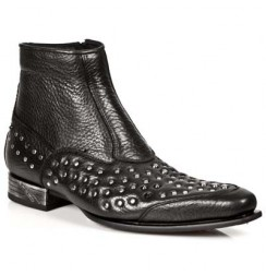 Black leather studded ankle boots for men with steel heel