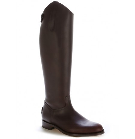 Brown leather dressage mountain horse riding boots.