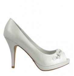 Elegant beaded bride leather shoes