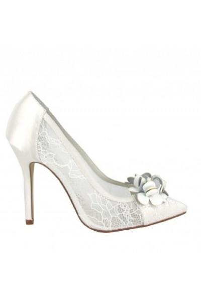 Trendy ivory lace bride shoes