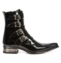 Elegant black leather pointed ankle boots for men