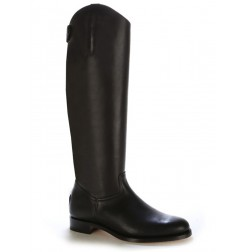 Black leather riding boots with an anatomic cut