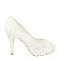 Elegant ivory guipure bride shoes
