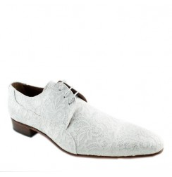 Smart white lace shoes for men