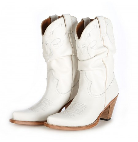 106aadd12feb White Cowboy Boots Womens - Image and Photo Boots Beertology.Org