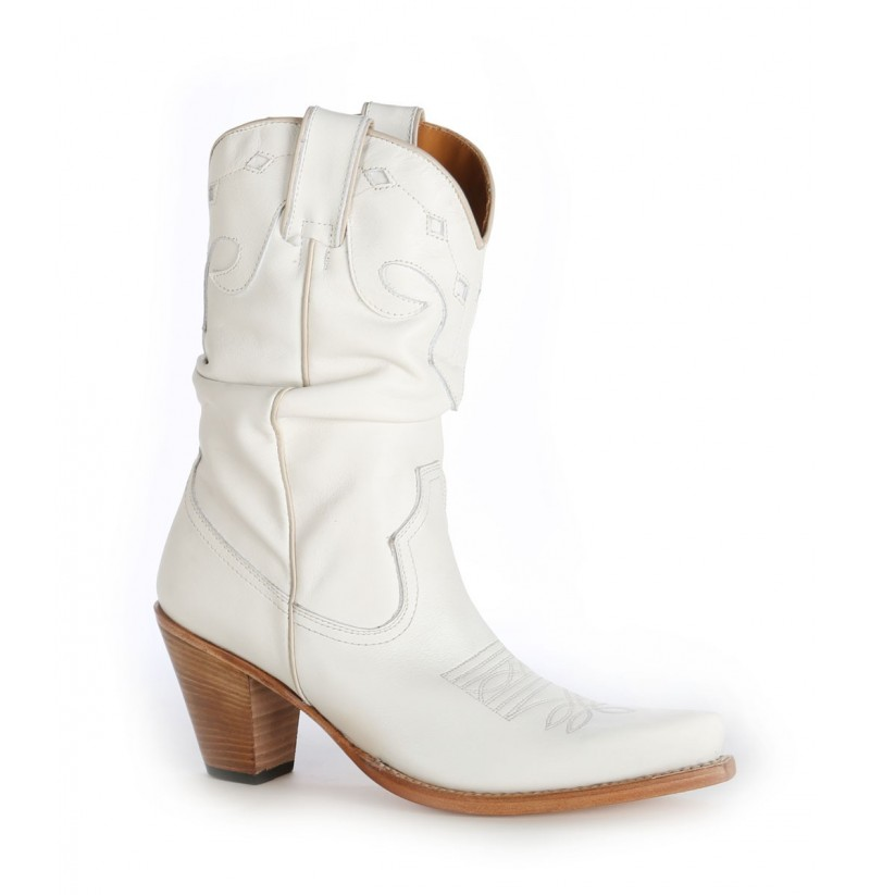how to wear low cut cowboy boots