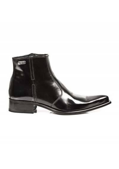 Mens elegant boots